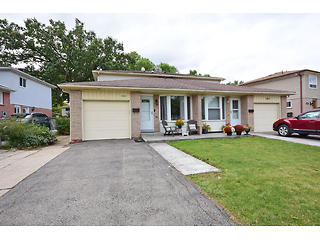 2865 Hollington Cres virtual tour image