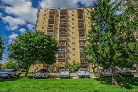 858 Commissioners Rd #902 virtual tour image